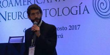 El Dr. Emiliano de Schutter en la fundación iberoamericana de neuro-otología en Perú