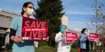 Los sindicatos de atención médica amplifican las voces de los trabajadores de primera línea abrumados por las condiciones de la pandemia.